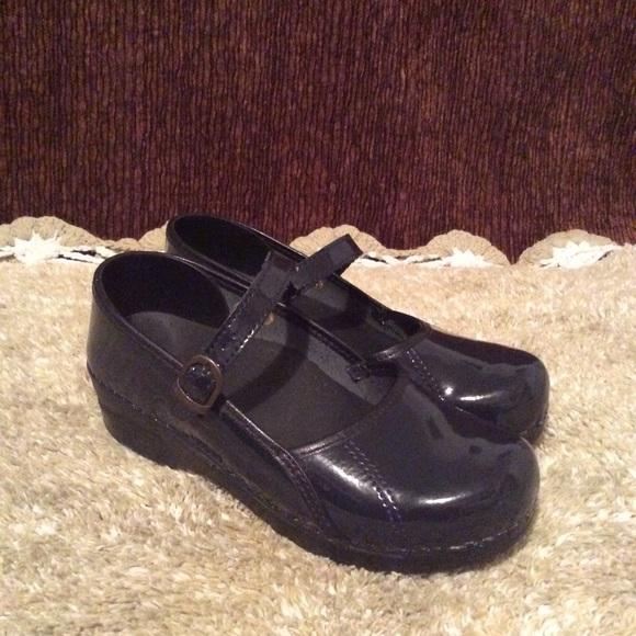 SanRita Shoes - SanIta Mary Jane w/adj Strap Navy Blue Sz 6